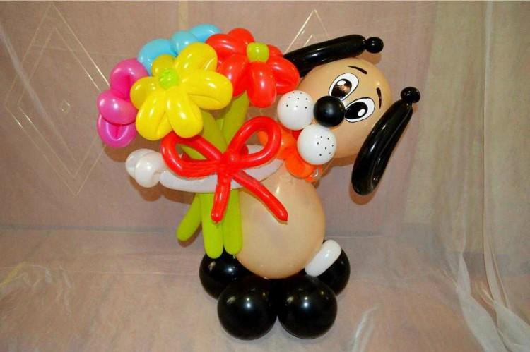 Собака из шаров с букетом своими руками